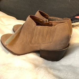 Franco Sarto Dylann Suede Taupe Booties Size 7.5